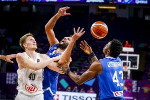 Ελλάδα – Ρωσία: Αυτοί είναι οι διαιτητές του αγώνα στο Eurobasket 2017