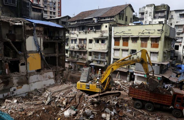 Ινδία: Στους 33 οι νεκροί από την κατάρρευση κτιρίου