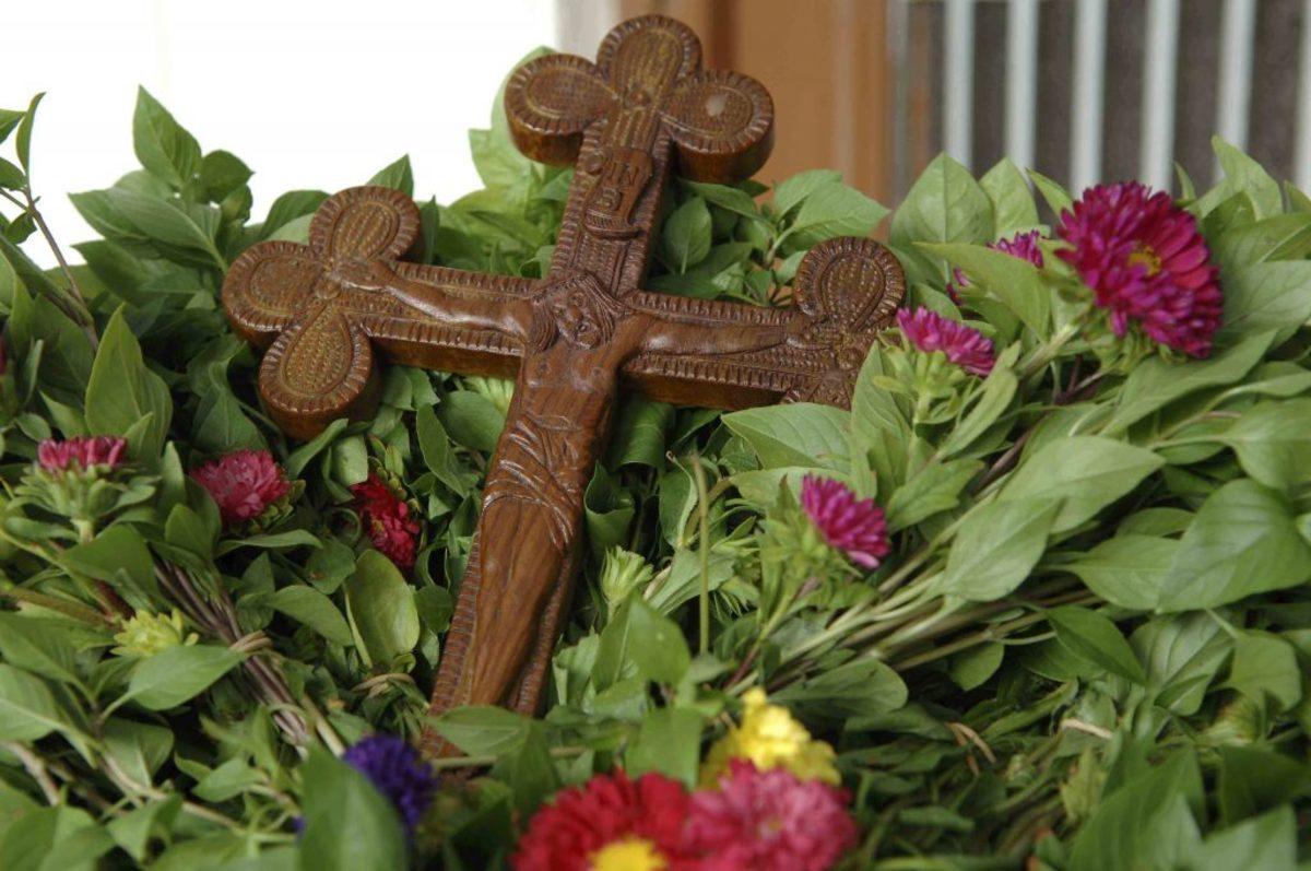 Τίμιος Σταυρός - Την Ύψωση του Τιμίου Σταυρού γιορτάζουμε στις 14 ...
