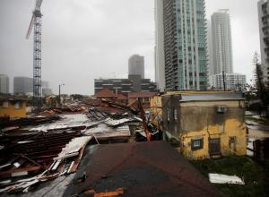"""Ίρμα: Κατέστρεψε τα πάντα και """"σβήνει""""! Σε κατάσταση μείζονος φυσικής καταστροφής η Φλόριντα"""