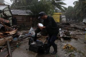 Κυκλώνας Ίρμα: Έντονη ανησυχία Τραμπ!