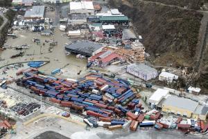 Χάος και καταστροφή από την Ίρμα – 12 οι νεκροί – Πάνω από 1 εκατ. οι πληγέντες