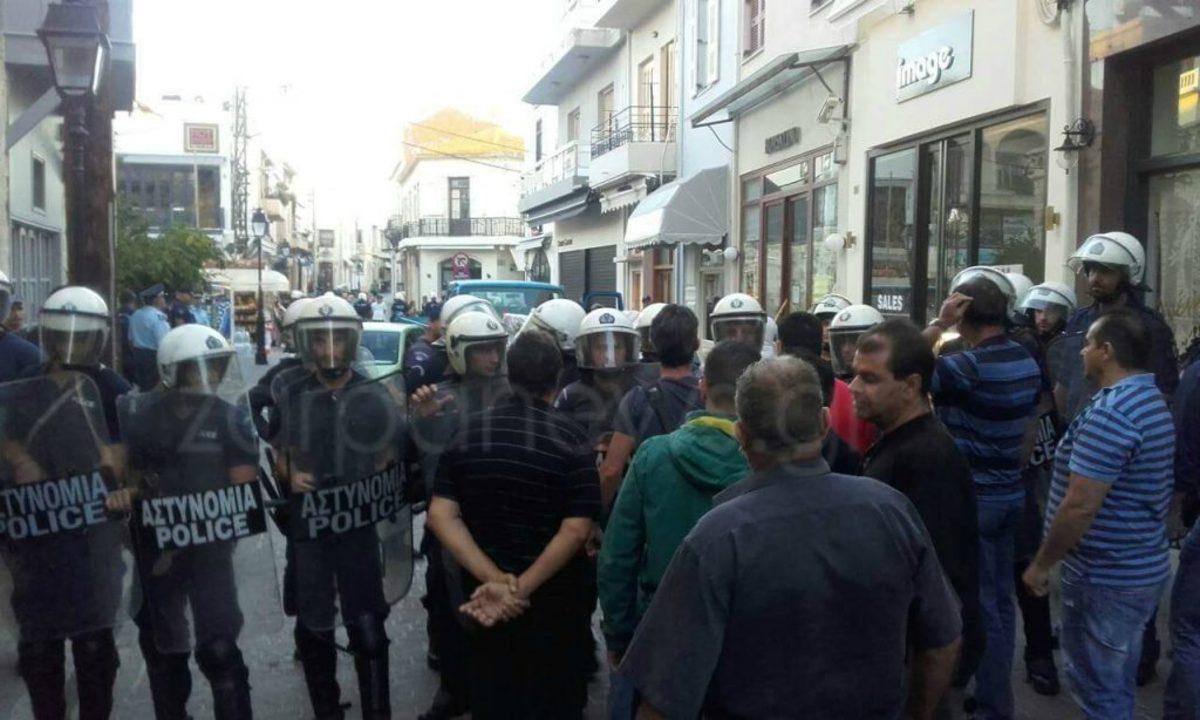 Ρέθυμνο: Χάος σε κατάσχεση καταστήματος – Σοβαρά επεισόδια και συλλήψεις [vids]