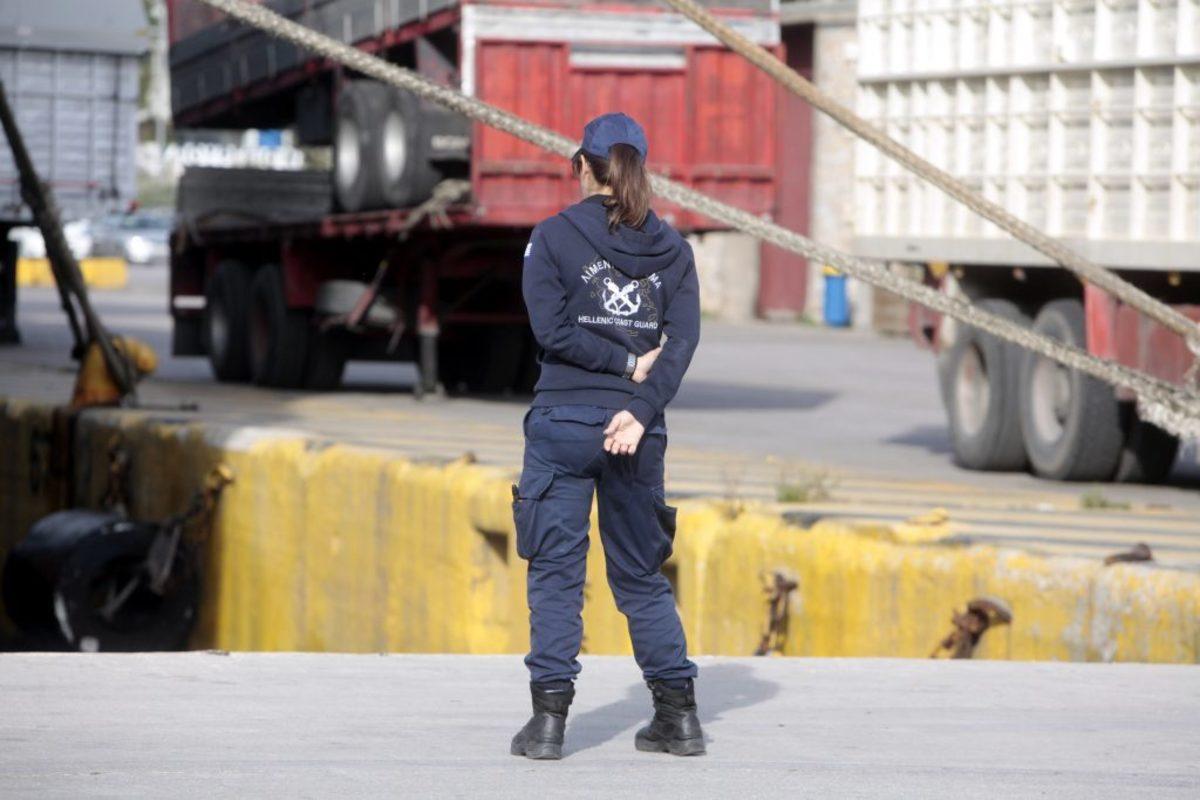 """Προθεσμία για να απολογηθούν αύριο πήραν ο πλοίαρχος και πρώτος μηχανικός του """"Λασσαία"""""""