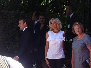 Εμανουέλ Μακρόν – Μπριζίτ Τρονιέ: Το… απρόοπτο έξω από το Προεδρικό