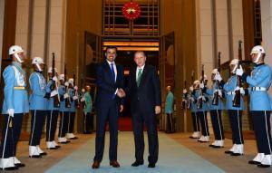Στην Άγκυρα ο εμίρης του Κατάρ – Συνάντηση με Ερντογάν