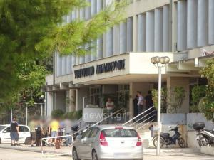 Ρουβίκωνας: Ντου στο υπουργείο Δικαιοσύνης – Έφτασαν ως το γραφείο του Κοντονή
