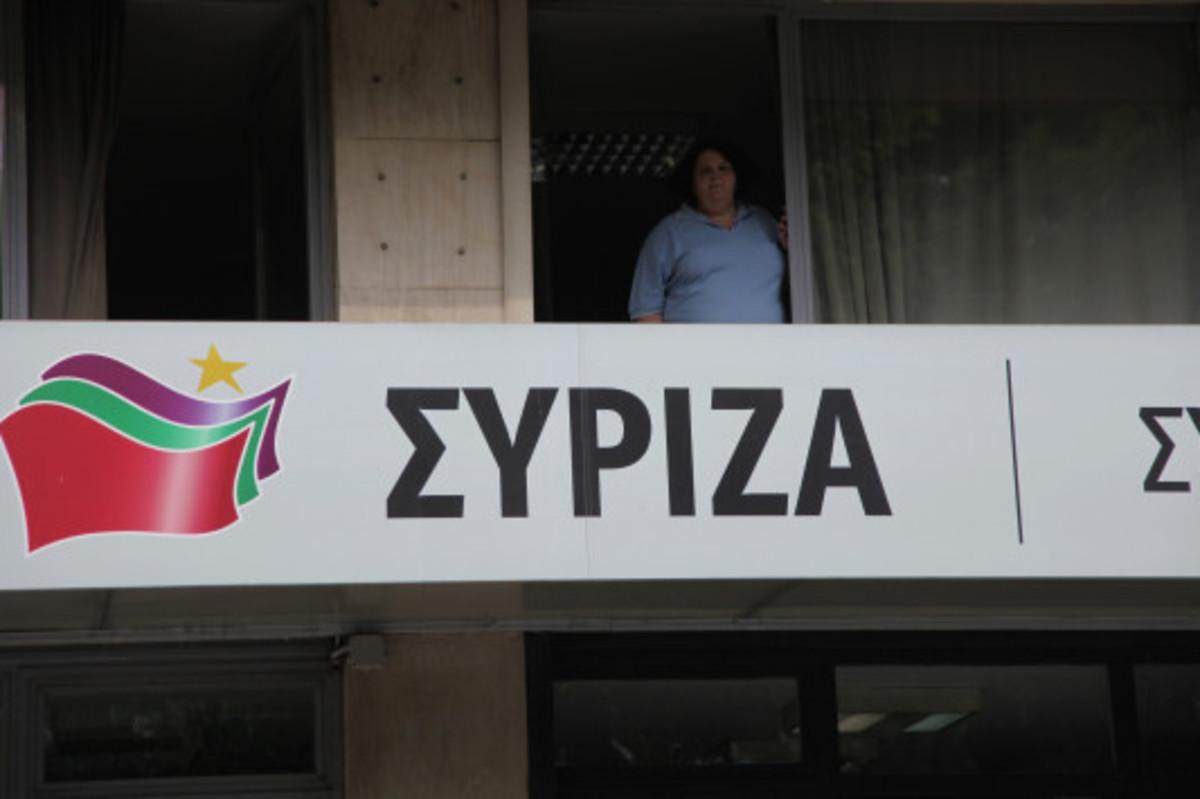 """ΣΥΡΙΖΑ για ομιλία Μητσοτάκη: """"Επικίνδυνα λαϊκιστής μπορεί να πείσει μόνο ως ατζέντης επιχειρηματιών"""""""