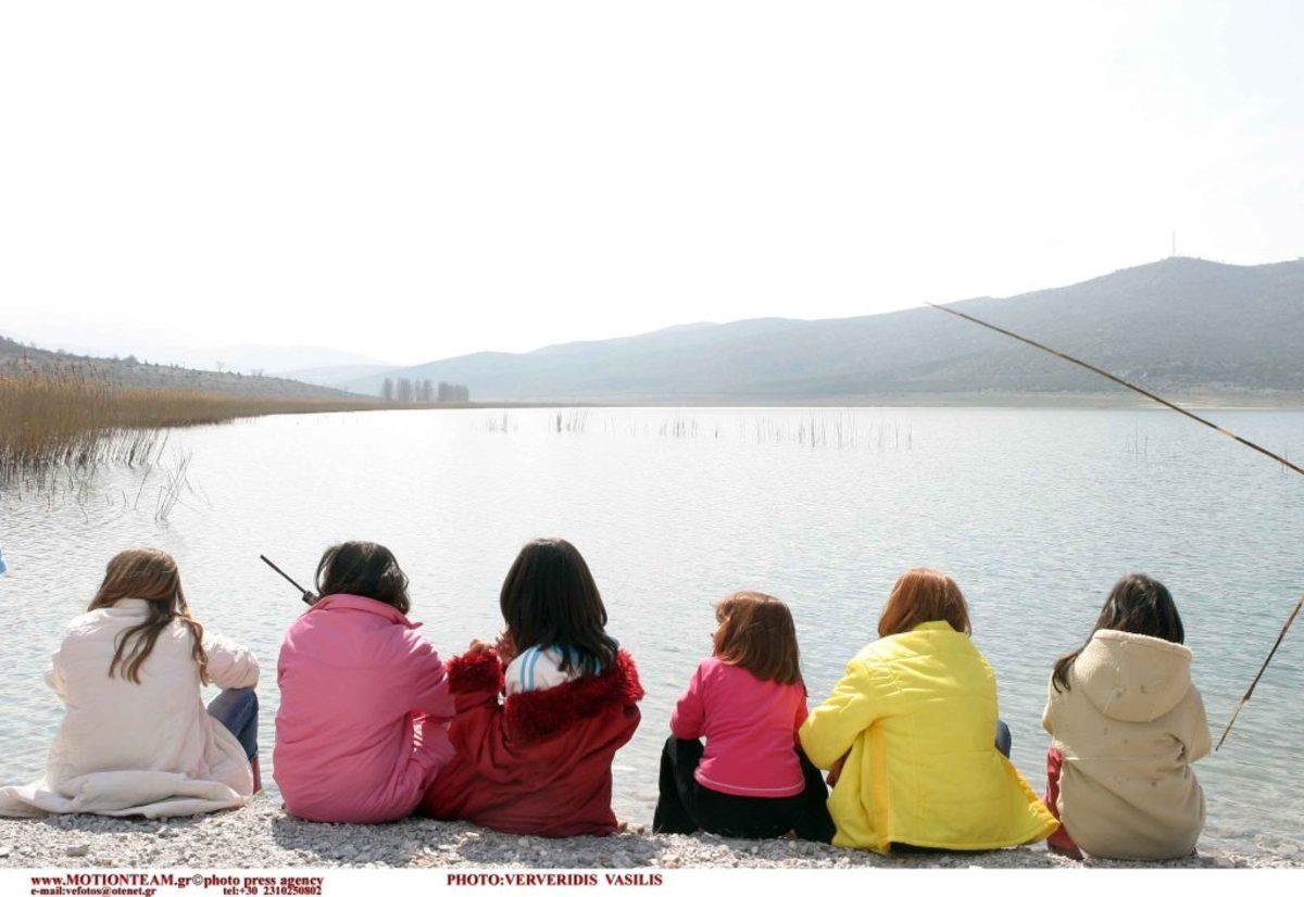 """Φλώρινα: Μηνυτήρια αναφορά για ρύπανση της λίμνης Βεγορίτιδας – """"Πέφτουν λύματα 5 οικισμών""""!"""