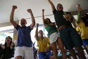 Η… συνωμοσία των οπαδών! Ζητούν ήττα της Βραζιλίας για να αποκλειστεί η Αργεντινή
