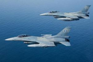 Αερομαχία για τα F16 στη Βουλή