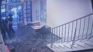 Βίντεο ντοκουμέντο: Η στιγμή της εισβολής αναρχικών στα γραφεία του Συμβολαιογραφικού Συλλόγου!