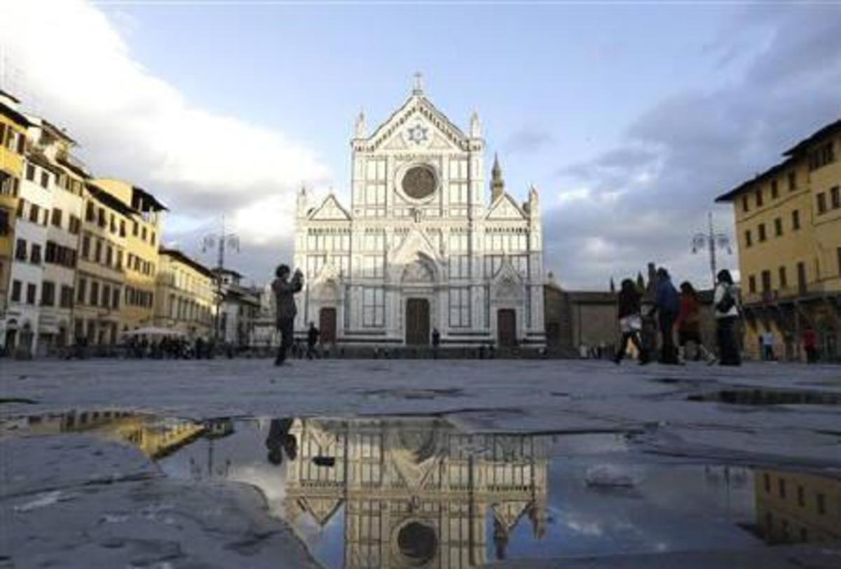 Φλωρεντία: Τεράστιος κίονας αποκολλήθηκε από εκκλησία και σκότωσε Ισπανό τουρίστα