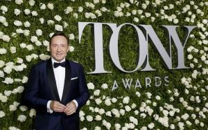 Κέβιν Σπέισι: Οι βρωμιές του Χόλιγουντ και η ένοχη σιωπή – Το επικοινωνιακό κόλπο του γύρισε μπούμερανγκ