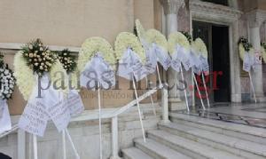 Πάτρα: Θρήνος στην κηδεία του 22χρονου που σκοτώθηκε μαζεύοντας καρύδια [vid]
