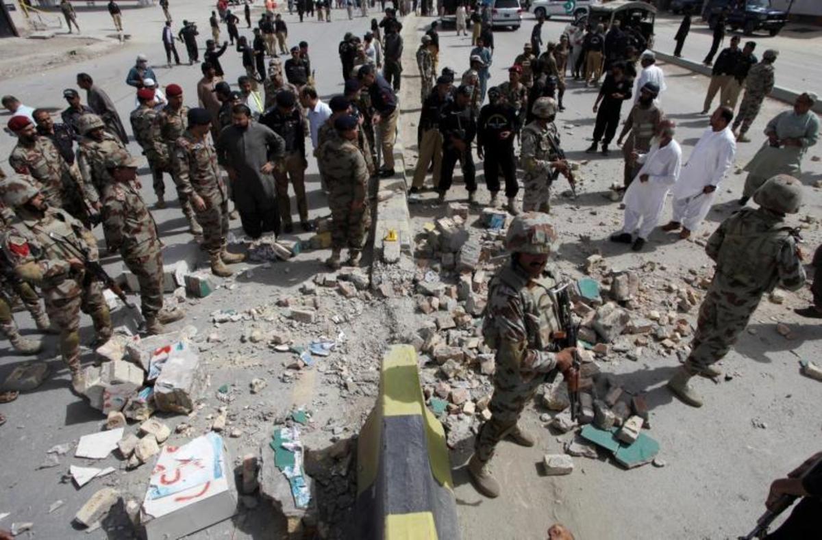 Πακιστάν: Βομβιστής αυτοκτονίας έσπειρε τον όλεθρο - 18 νεκροί και 27 τραυματίες, ανάμεσά τους και μικρά παιδιά