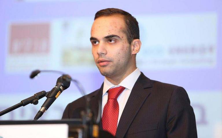 """Τζορτζ Παπαδόπουλος: Το προφίλ του 30χρονου ομογενούς που """"ταρακουνά"""" την κυβέρνηση Τραμπ"""