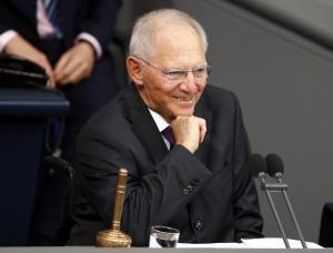 Όλοι… Σόιμπλε! Πανηγυρικά πρόεδρος της Γερμανικής Βουλής