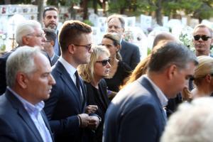 Μιχάλης Ζαφειρόπουλος – Το ύστατο χαίρε – Πλήθος κόσμου στην κηδεία του