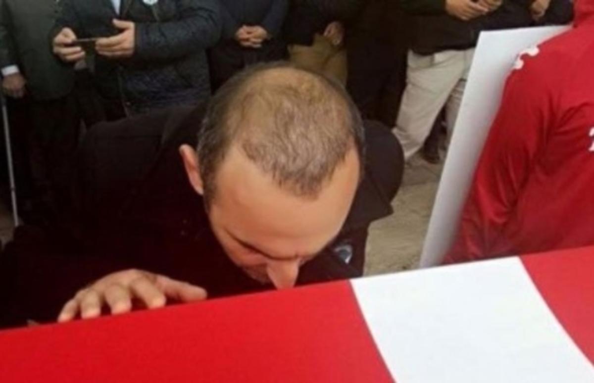 Λεωνίδης - Κηδεία Σουλεΐμάνογλου