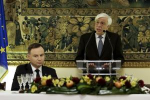Προκόπης Παυλόπουλος: Ελλάδα και Πολωνία δεν «ταξιδεύουν» εντός της ΕΕ με «πηδάλια» ιδιοτέλειας
