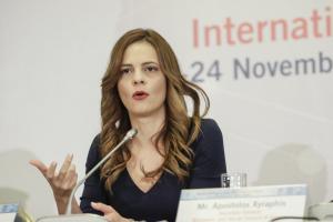 Έφη Αχτσιόγλου: «Το κοινωνικό μέρισμα καλύπτει περίπου το 32% του πληθυσμού»