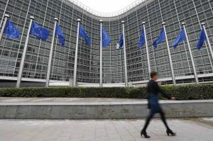 """Αντιπρόεδρος ΕΚΤ για """"κόκκινα"""" δάνεια: Στη σωστή κατεύθυνση οι ελληνικές τράπεζες"""