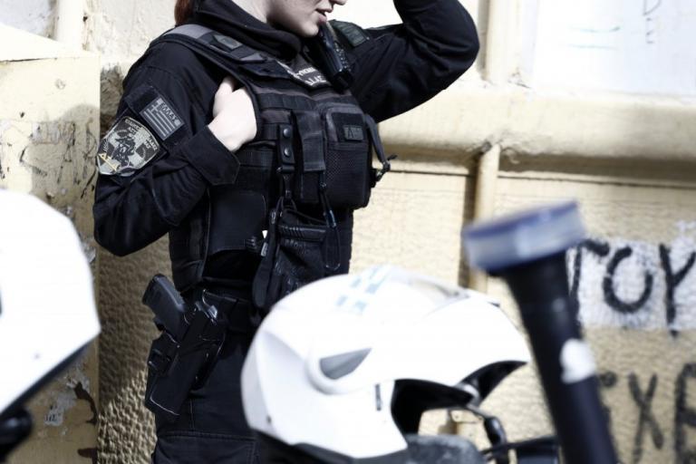"""Τρεις αστυνομικοί τραυματίες στον Ασπρόπυργο – """"Καραμπόλα"""" με μηχανές της ομάδας ΔΙΑΣ"""