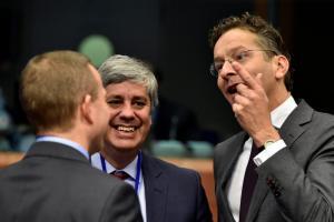 Eurogroup: Τα θετικά μηνύματα και η δέσμευση Τσακαλώτου για τους συμβολαιογράφους
