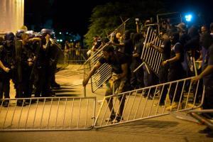 Παρίσι: Υπό κράτηση 15 άνθρωποι για παράνομη οπλοφορία μετά την απαγόρευση διαδήλωσης ακροδεξιάς οργάνωσης