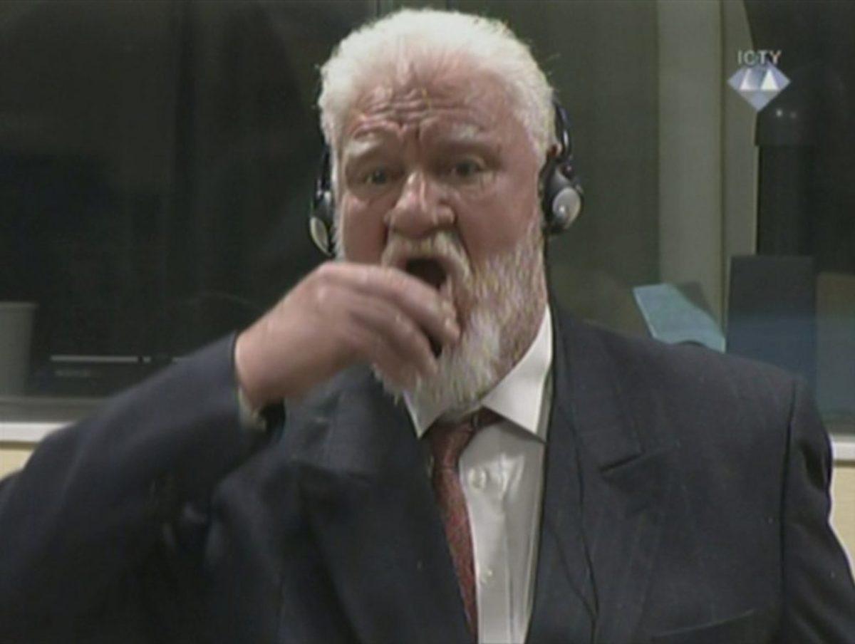 Πήρε δηλητήριο μέσα στο διεθνές δικαστήριο της Χάγης την ώρα που άκουγε την καταδίκη του για εγκλήματα πολέμου