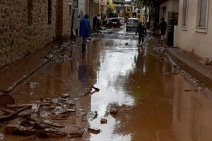 Κρήτη: Βοήθεια στους πληγέντες της Μάνδρας από τους Ηρακλιώτες