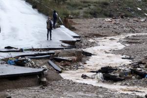 Πλημμύρες στη Μάνδρα: 5 εκατομμύρια για την ανακούφιση των πληγέντων