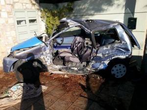 """Λεωφορείο των ΚΤΕΛ """"έλιωσε"""" αυτοκίνητο στο Πόρτο Ράφτη- Νεκρός ο οδηγός [pics]"""
