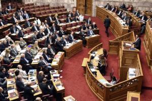 Θεομηνία στη Δυτική Αττική: Αναβάλλονται οι εργασίες στη Βουλή