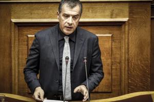 Θεοδωράκης: Η συμμετοχή Καμμένου στην κυβέρνηση προκαλεί απέχθεια στην κοινωνία