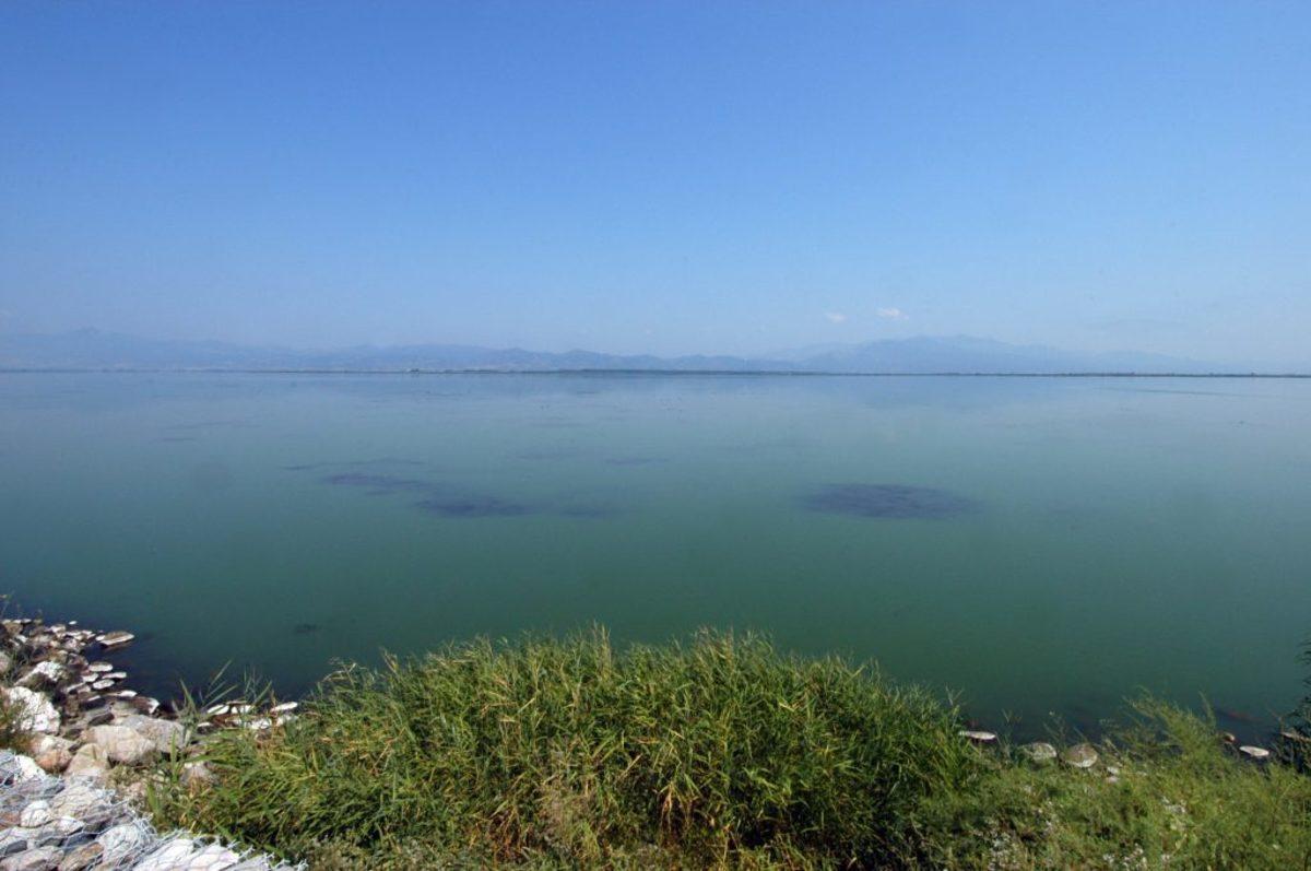 λίμνη Βιστωνίδα Μονή Βατοπαιδίου