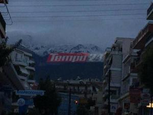 Πάτρα: Χιόνια στα ορεινά και χαλαζόπτωση στο κέντρο – Το Παναχαϊκό ντύθηκε στα λευκά [pic, vids]