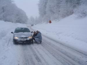 Πελοπόννησος: Χιόνια και δρόμοι παγίδες σε Κορινθία και Αρκαδία – Που χρειάζονται αντιολισθητικές αλυσίδες…