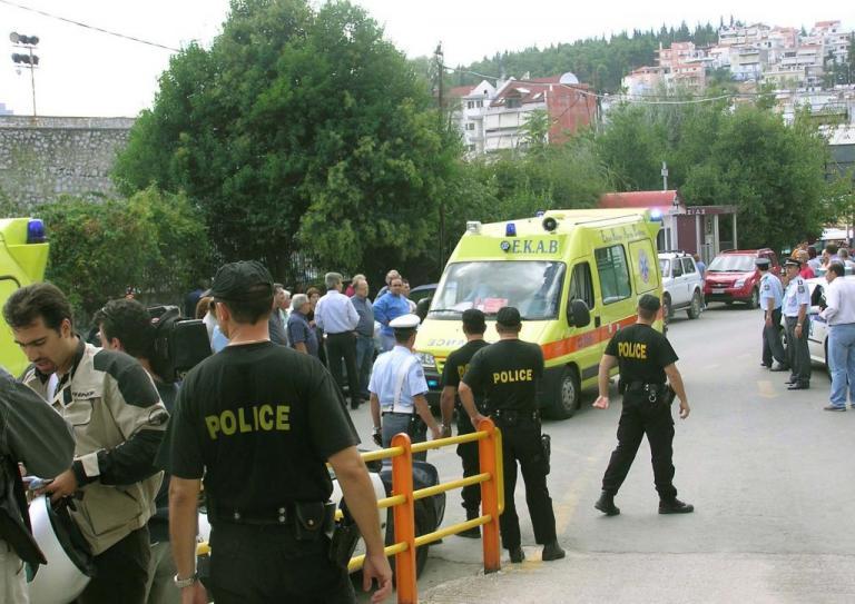 Θεσσαλονίκη: Πτώση αυτοκινήτου σε αρδευτικό κανάλι – Στο νοσοκομείο ο οδηγός!