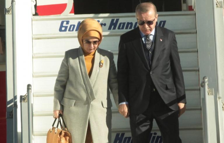 Επίσκεψη Ερντογάν στην Αθήνα: Η απαίτηση της Εμινέ για το γεύμα που δεν έγινε