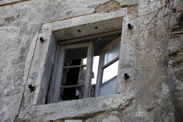 Θεσσαλονίκη: Νεκρή ηλικιωμένη που έπεσε από παράθυρο τρίτου ορόφου