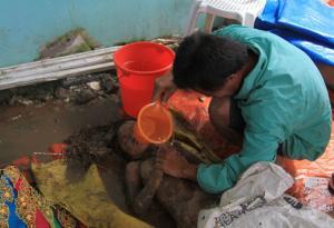 Φιλιππίνες: Τουλάχιστον 133 νεκροί από τροπική καταιγίδα