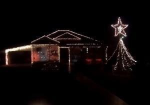 Σέρρες: Το σπίτι που εντυπωσιάζει σε ρυθμούς Despacito και όχι μόνο – Στολισμός υπερπαραγωγή [vids]