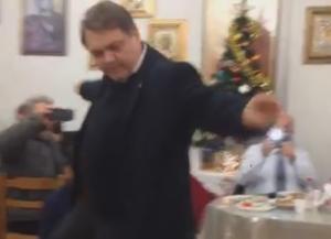 Χόρεψε ζεϊμπέκικο ο Δήμαρχος Άργους – Μυκηνών [vid]