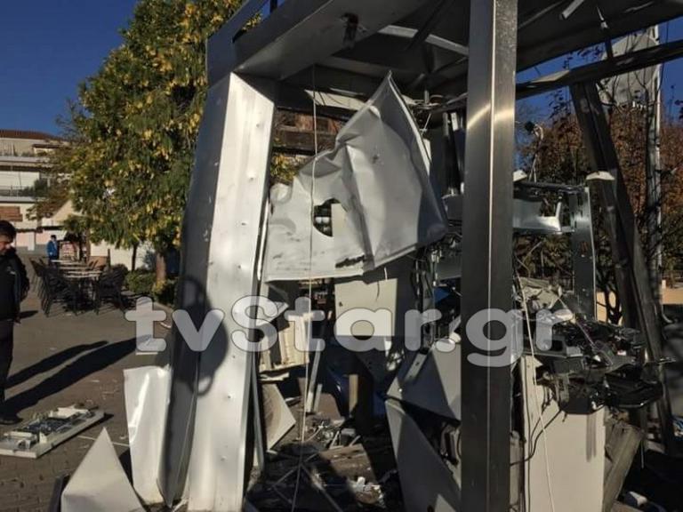 Φθιώτιδα: Ανατίναξαν το ATM και έφυγαν ανενόχλητοι [pics, vid]