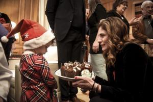 Μπέτυ Μπαζιάνα: Σαν μαμά… όλων των παιδιών! [vid, pics]