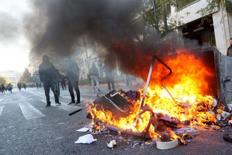 Πορεία για τον Αλέξανδρο Γρηγορόπουλο – Επεισόδια, οδοφράγματα και καταστροφές