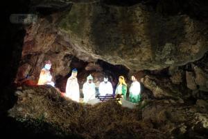 Γιάννενα: Εντυπωσιακή φάτνη μέσα σε… σπηλιά