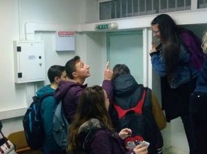 Απίστευτο! Μαθητές και καθηγήτρια στο Αγρίνιο εγκλωβίστηκαν μέσα σε σχολική αίθουσα!